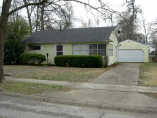*SOLD* 424 Tampa Drive